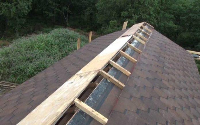 Последовательность установки конька на крыше